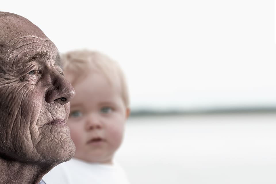 Äldre man och barn