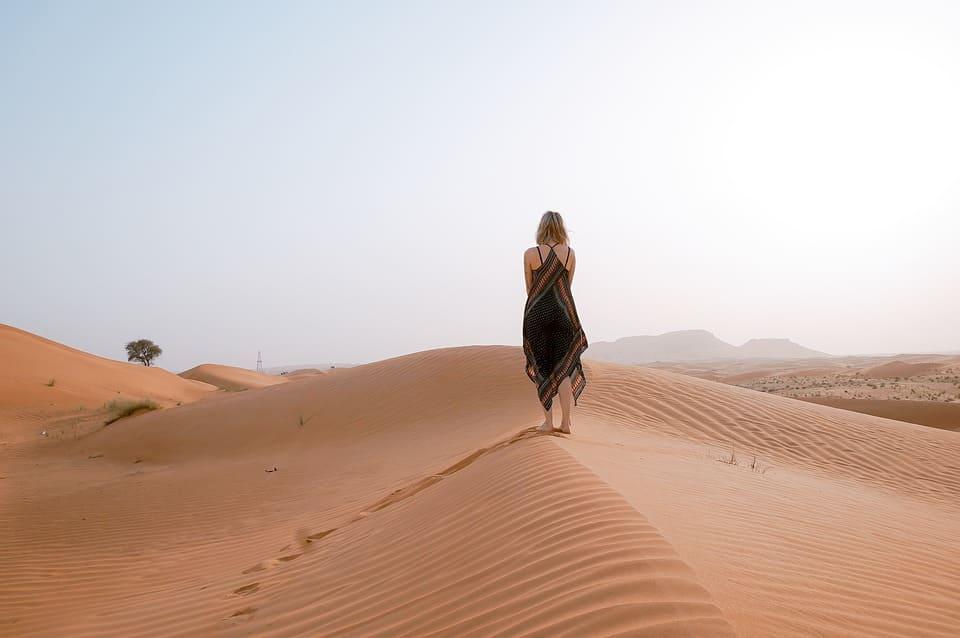 Kvinna i öken