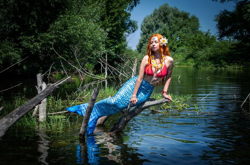 Kvinna, sjöjungfru