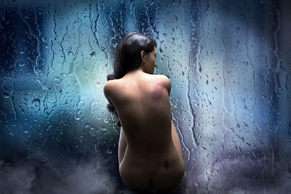Naken kvinna